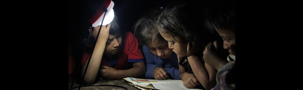 IDB-kids-reading-ajuste-de-Wataweb3-1024x307